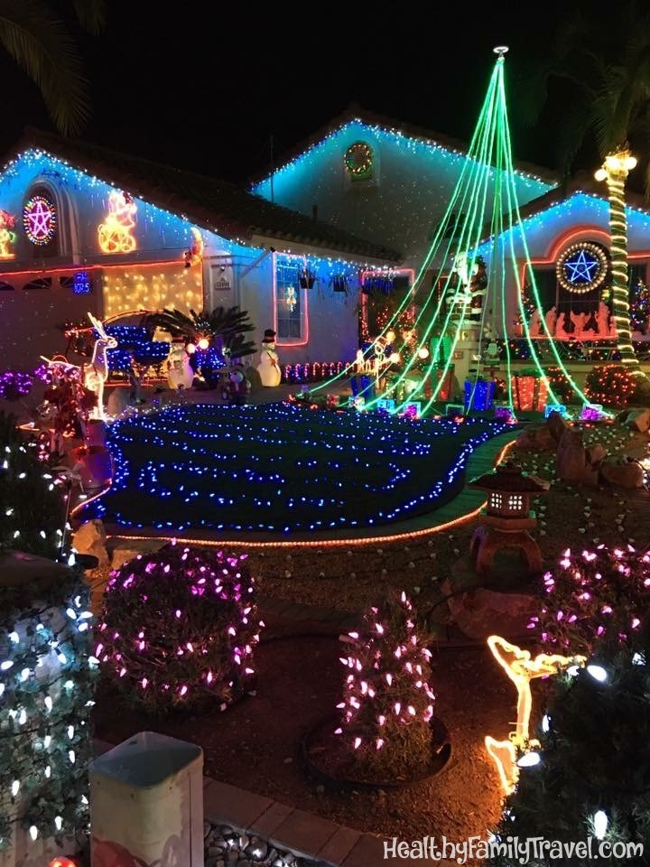 San Diego Christmas Lights.Christmas Lights On Candy Cane Lane In Poway Healthy